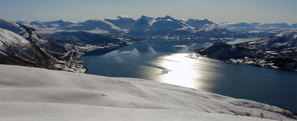 The individual race takes place in the stunning surroundings of Balsfjord